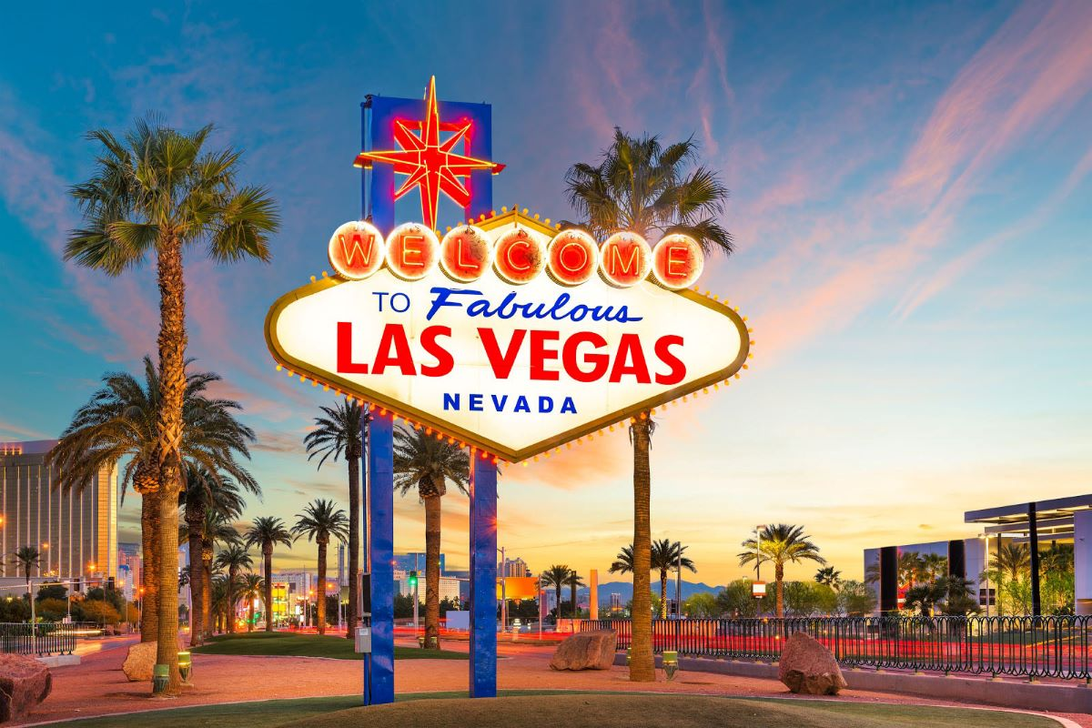 5 (socially distant) things to do in Las Vegas now