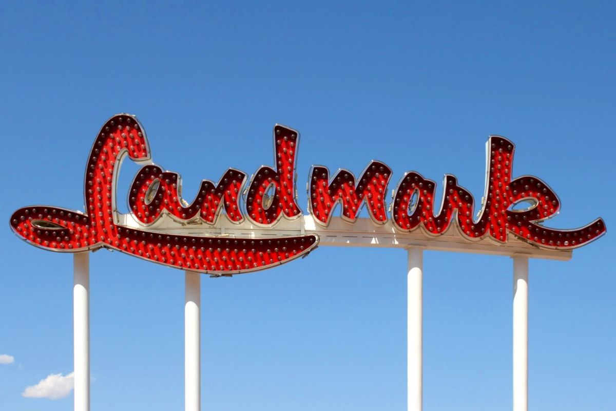 New life for old iconic Las Vegas signs